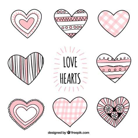 imagenes de corazones dibujados a mano dibujado a mano corazones de amor descargar vectores gratis