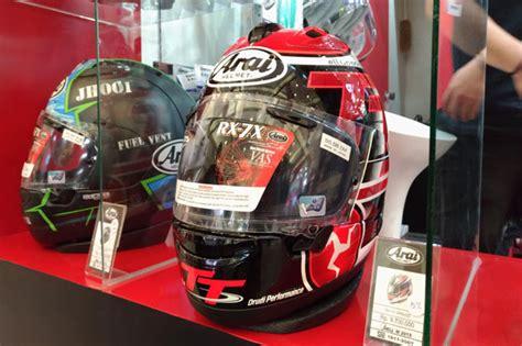 Helm Merk Arai helm arai edisi khusus banting harga di imos 2016