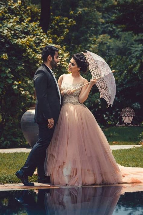 Casual Wedding Photoshoot by 10 You Can Wear For Your Prewedding Photoshoot