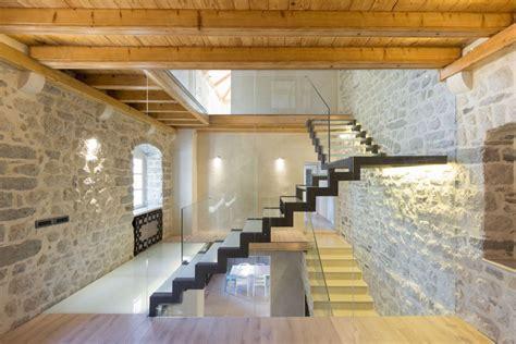 stunning restoration house design ideas the villa monja dise 241 o de casa de piedra con planos construye hogar