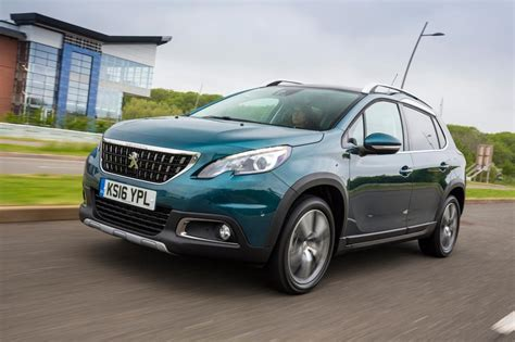 new peugeot 2008 new peugeot 2008 2016 review pictures auto express