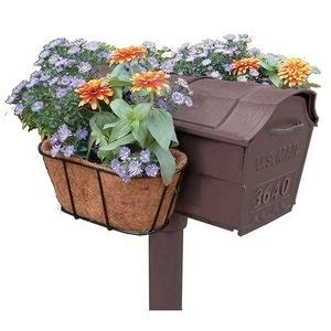 Coco Mat For Planters by 1000 Ideas About Mailbox Flowers On Mailbox