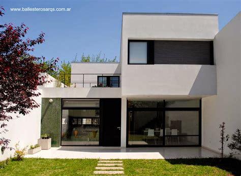 Contemporary Double Door Exterior by Arquitectura De Casas Casas Modernas Minimalistas