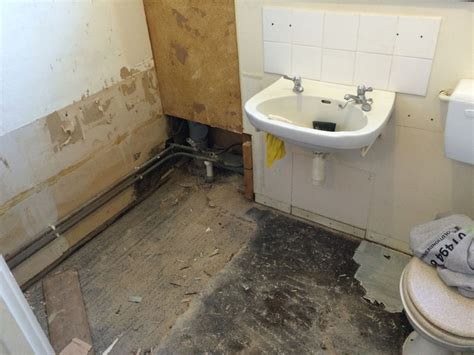 how to build a wet room bathroom disabled access wet room holmer green evolution design