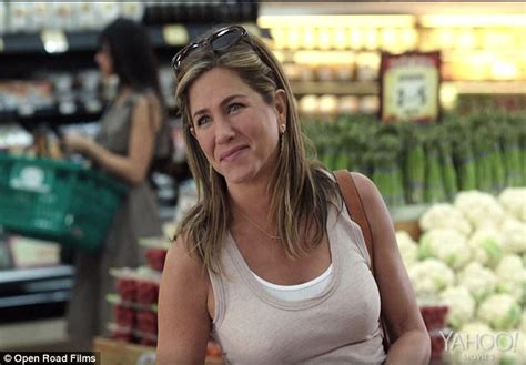 mother s day movie jennifer aniston mother s day the jennifer aniston plays single mom in upcoming mother s day