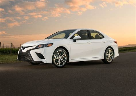 toyota camry 2019 2018 toyota camry sedan pricing for sale edmunds