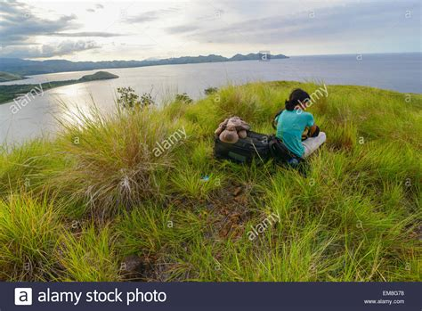 download mp3 gratis flores maumere female traveler with puppy doll at tanjung kajuwulu