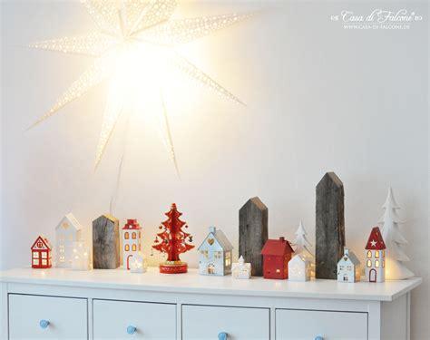 Weihnachtsdeko Für Hohe Fenster by Wohnzimmer Streichen In Silber