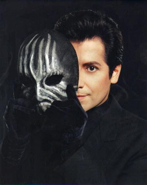 Masker Valenno misteri wajah di sebalik masked magician v12gether