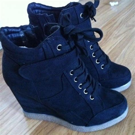 sneakers wedges shoes 25 best ideas about womens wedge sneakers on