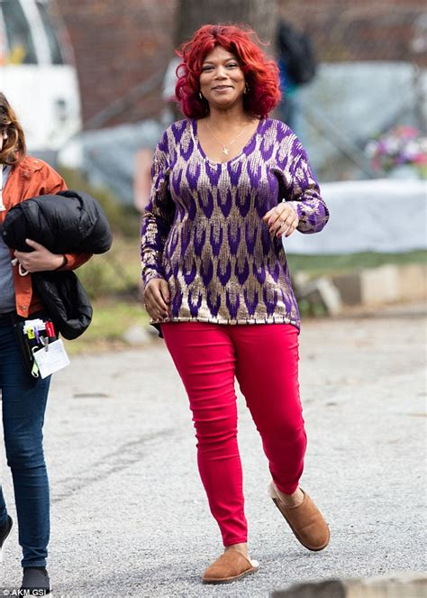 actress with red hair in tv show queen latifah shows off red hair on set of lee daniels tv