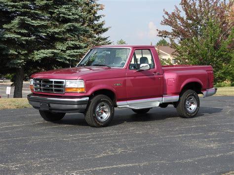 ford  lariat flareside pick  truck nostalgic motoring