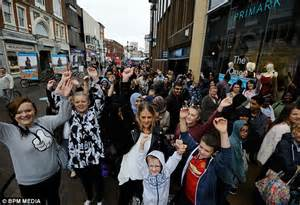 Shiny Fashion Tv The Opening Of Primarks Oxford Store by Walsall S New Primark Store Opens Its Doors And Thousands