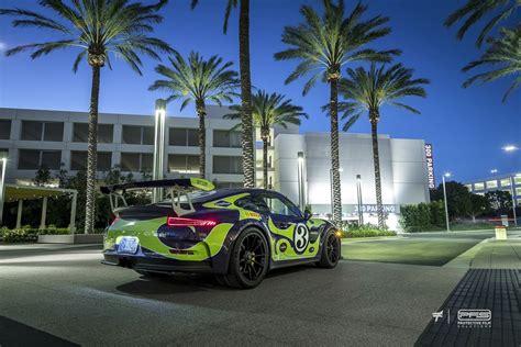 porsche gt3 rs wrap hippie porsche 911 gt3 rs wrap mixes ultraviolet blue with