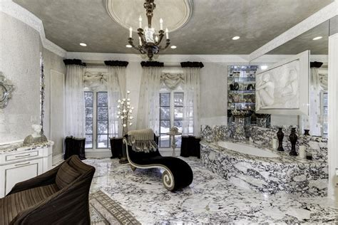 How Many Bathrooms In The White House by Found On Trulia Your Own Personal White House Trulia