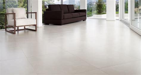 piastrelle grandi dimensioni piastrelle grandi formati consigli per la pulizia e