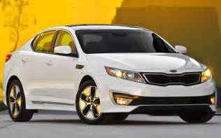 2013 kia optima hybrid gains mpgs trunk space 40 lb ft