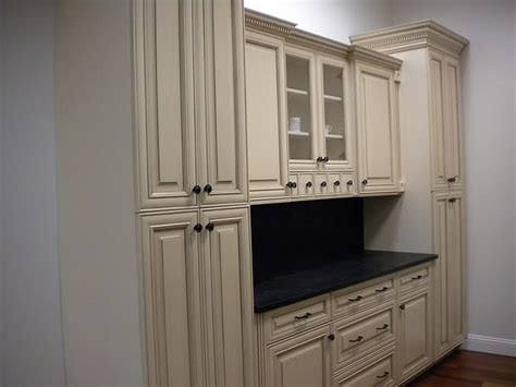 1000 images about midwest kitchen cabinets on