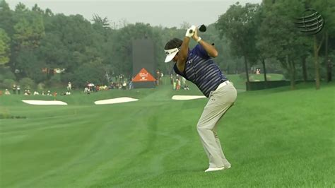 tiger woods swing slow mo bubba watson 257 yard 3 wood from the rough golf swing in