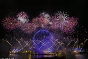 new year fireworks facts the uk welcomes in new year s 2016 with 12 000