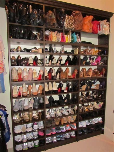 Display Tempat Rak Sepatu Aklirik Rack Stand Shoes Acrylic atlanta closet shoe shelves 01 traditional closet