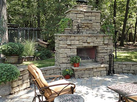 Patio Fireplace by 1000 Ideas About Outdoor Fireplaces On