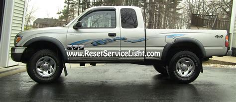 reset maintenance light toyota tacoma diy change the tail light assembly on toyota tacoma 2001