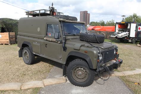 we pay tribute to the land rover defender on its day