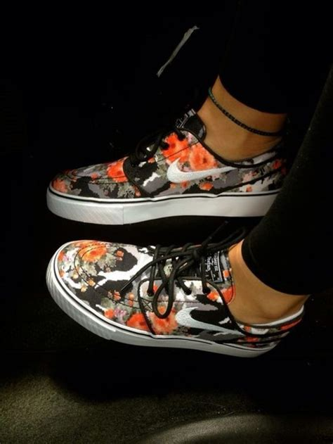nike floral sneakers shoes nike floral sneakers tennis shoes white