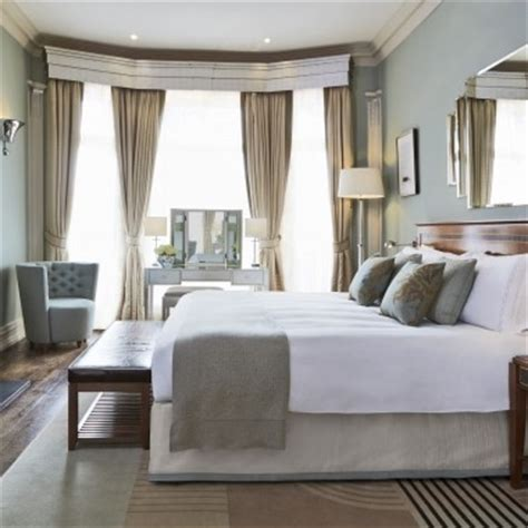 how to make a bed hotel style small apartment ideas creating a hotel style bedroom