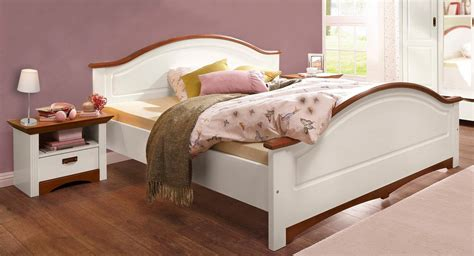 Bett Kirschbaum doppelbett bett mit nachtkonsolen kiefer massiv wei 223
