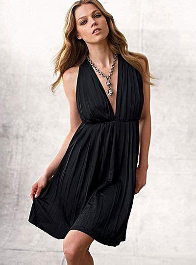 jewelry for v neck dress 2012 e fashion help