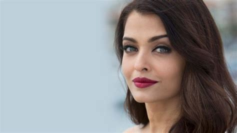 hollywood actress with beautiful nose top 10 female celebrities with most beautiful noses 2018