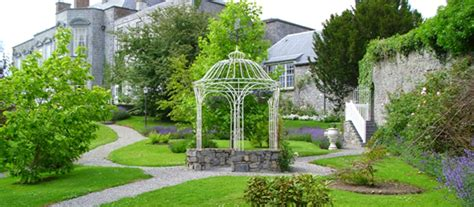 Beautiful Houses by Castle Durrow