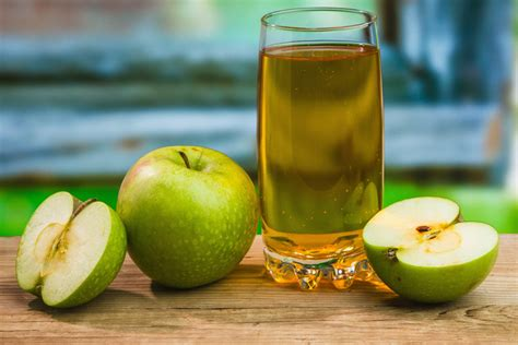 apple juice benefits 12 awesome benefits of apple juice for hair skin and health