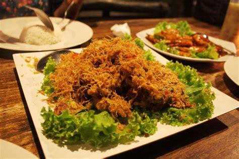 Makan Meja Di Restoran Central adhityawisnu szh