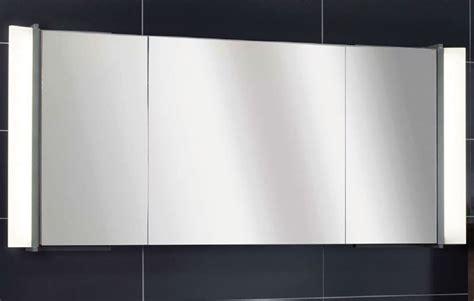 spiegelschrank leuchte lanzet spiegelschrank leuchte sidewing 3 t 252 ren korpus