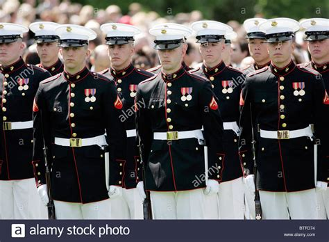white house marines military officers of the united states marines form honor