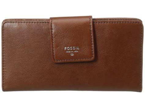 Fossil Tab Chili 4 fossil sydney tab clutch brown zappos free shipping both ways