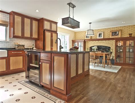 Two Tone Kitchen Cabinet Ideas Cool Two Tone Kitchen Cabinets Pictures Decorating Ideas Gallery In Kitchen Traditional Design