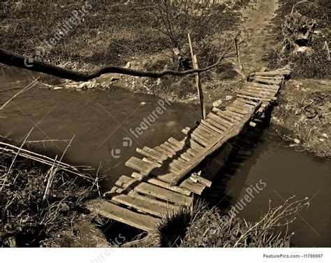 picture   wooden bridge