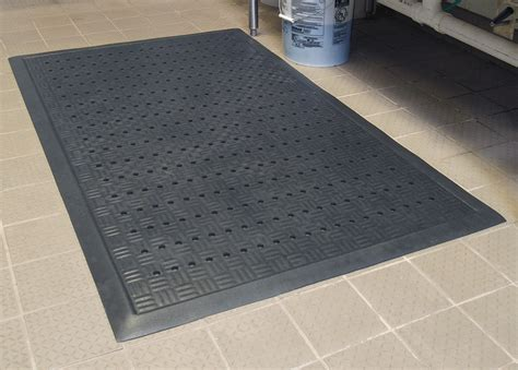 Commerical Floor Mats by Cushion Station Drainage Anti Fatigue Mat Floormatshop Commercial Floor Matting Carpet