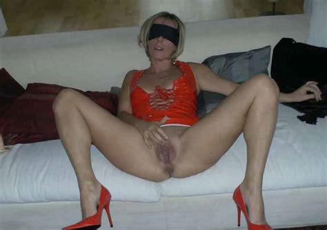 Mature blindfolded And Nude Xxgasm