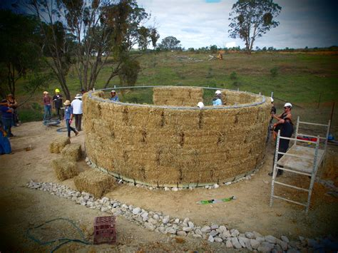 straw bale dog house roundhouse build foundations and walls