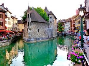 most picturesque towns in usa 35 places you need to visit in france business insider