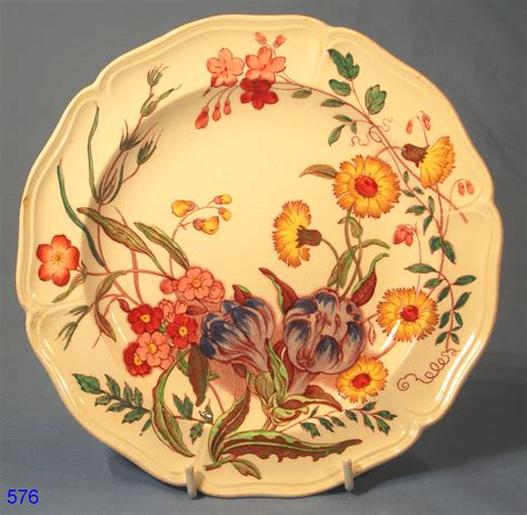 Wedgwood Floral Plate CK 5981: Collectable China