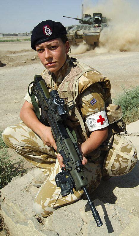 Paula Navy Mc medic becomes to win cross
