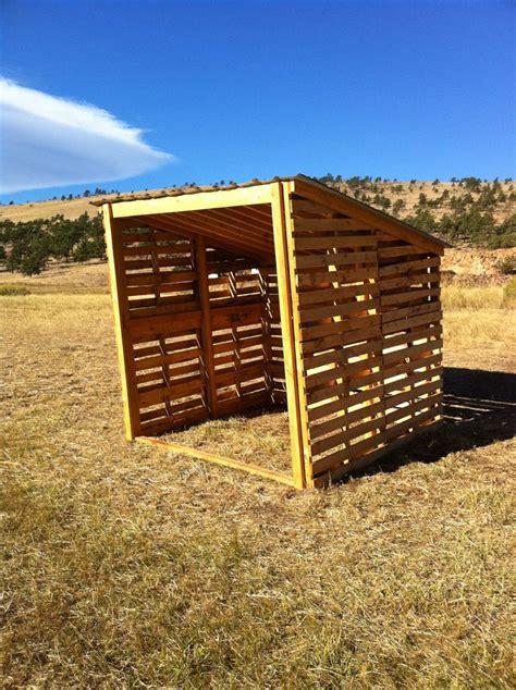 build   pallets shed livestock pallet barn