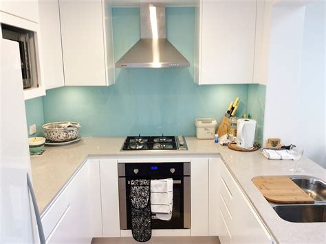 contemporary glass splashback kitchen kitchens kitchen streamlined kitchens handless kitchens cdk