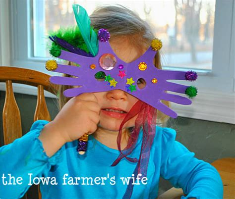 arts and crafts projects for 2 year olds the iowa farmer s happy mardi gras